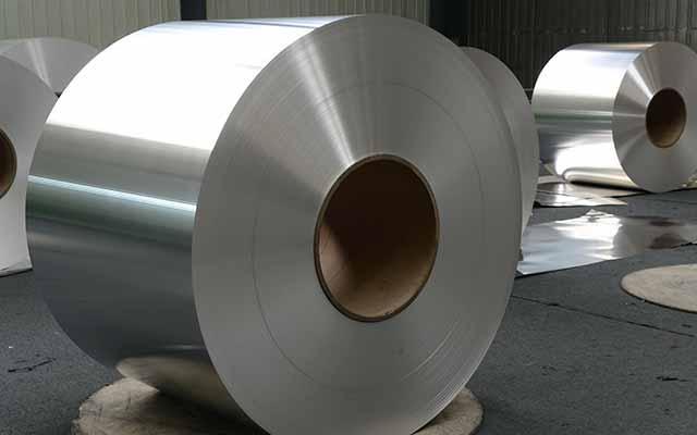 明泰铝业来告诉您铝箔餐盒的特点