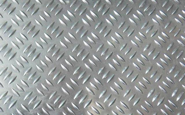 三条筋花纹铝板